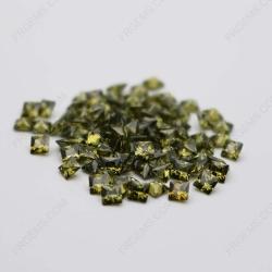Cubic Zirconia Peridot Square Shape Princess cut 4x4mm stones CZ27 IMG_0321
