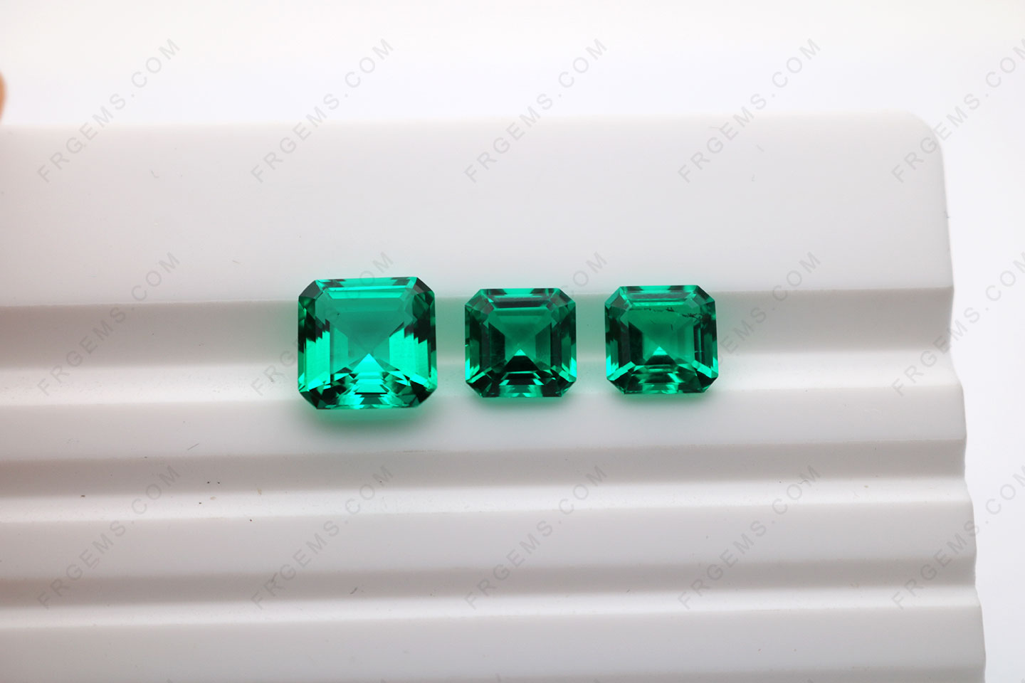 Lab-Hydrothermal-Colombia-Green-color-Gemstones-China-Wholesale