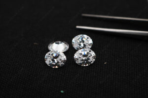 CZ-White-Color-5A-Best-Quality-Oval-Shape-faceted-gemstones-with-drilled-holes-Wholesale-China-IMG_4971