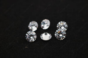 CZ-White-Color-5A-Best-Quality-Round-faceted-stones-with-1-drilled-hole-Suppliers-China_IMG_4963