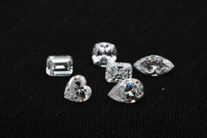 CZ-White-Color-5A-Best-Quality-faceted-gemstones-with-drilled-holes-Wholesale-China-IMG_4967