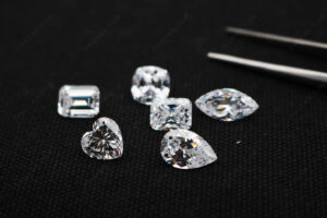 Cubic-Zirconia-White-Color-5A-Best-Quality-faceted-gemstones-with-drilled-holes-Supplier-China-IMG_4969