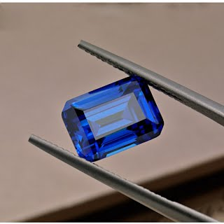 Emerald-Cut-Synthetic-Blue-Sapphire-Gemstones-China-Wholesale-Suppliers