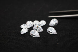 Pear-faceted-stones-with-drilled-holes-Loose-Cubic-Zirconia-White-Color-gemstones-China-Supplier